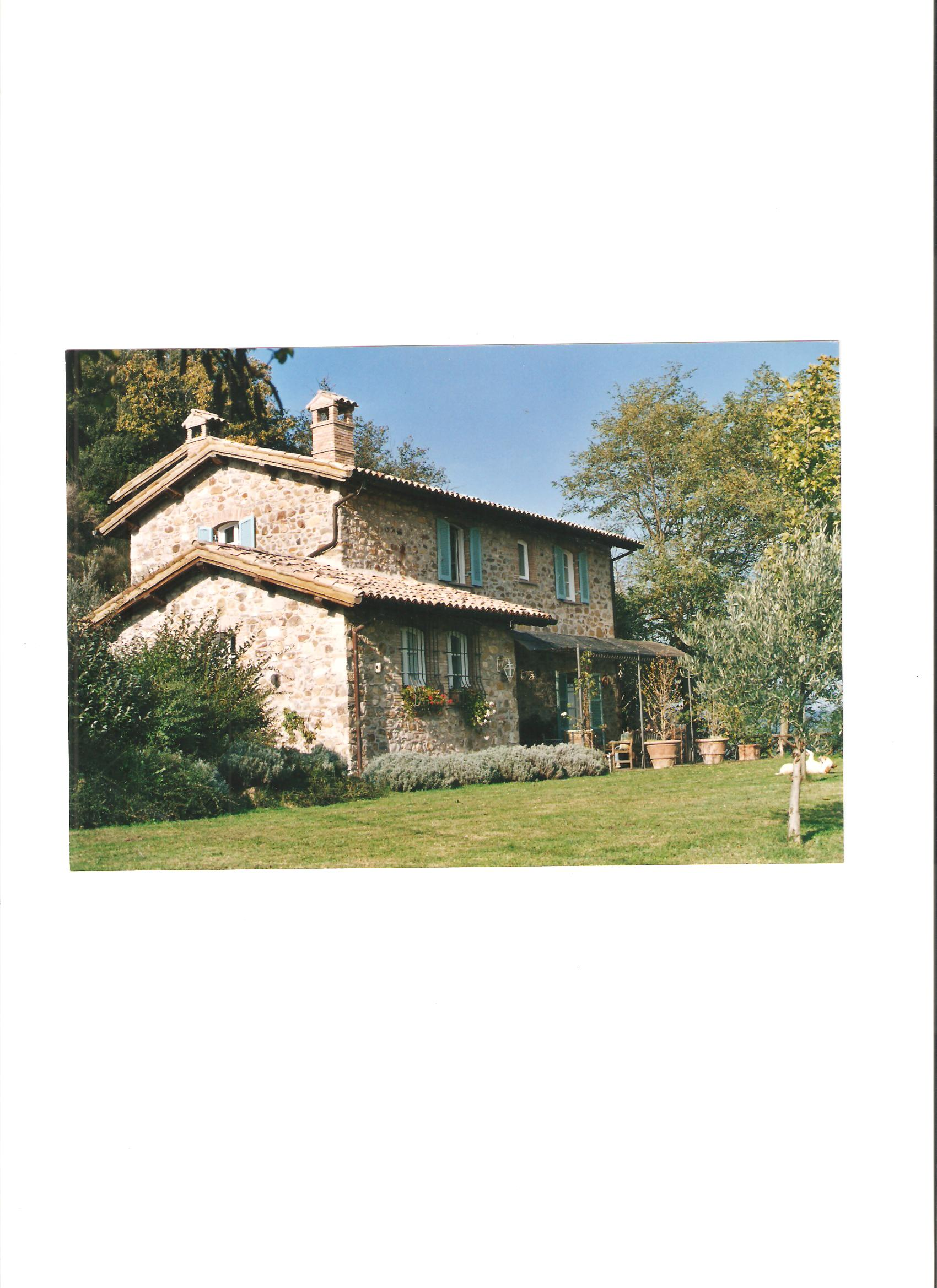 Charming stone farmhouse with beautiful views of orvieto for Front of house magazine