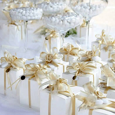 Another Tradition That Takes Place In Many Other Countries Is The Oniere With Confetti Wedding Favours Traditional Sugared Almonds Given To