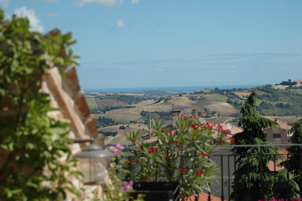 View of the countryside from the terrace at Casa Tre Archi