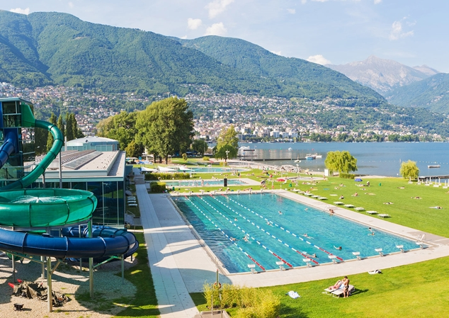 Swimming pool and mountains in the background