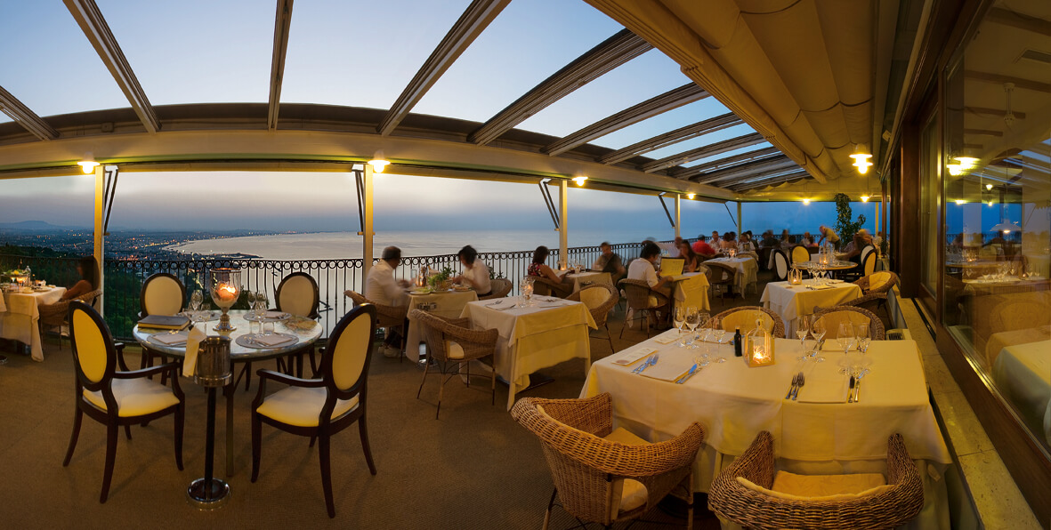 The restaurant at Hotel Posillipo in Gabicce