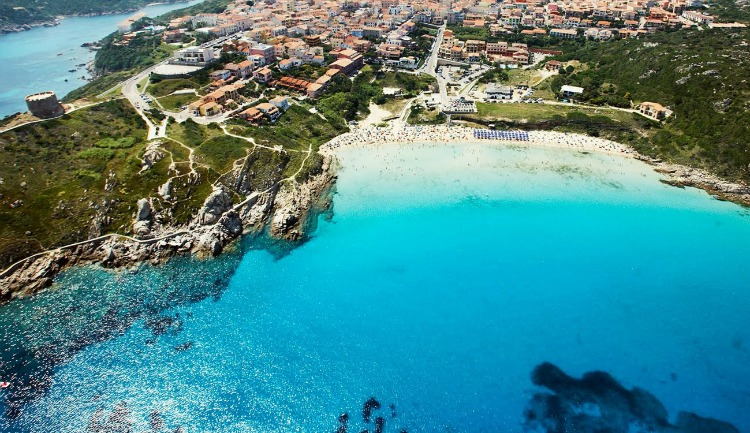 Three glitzy resorts in italy to visit this summer italy for Costa smeralda sardegna