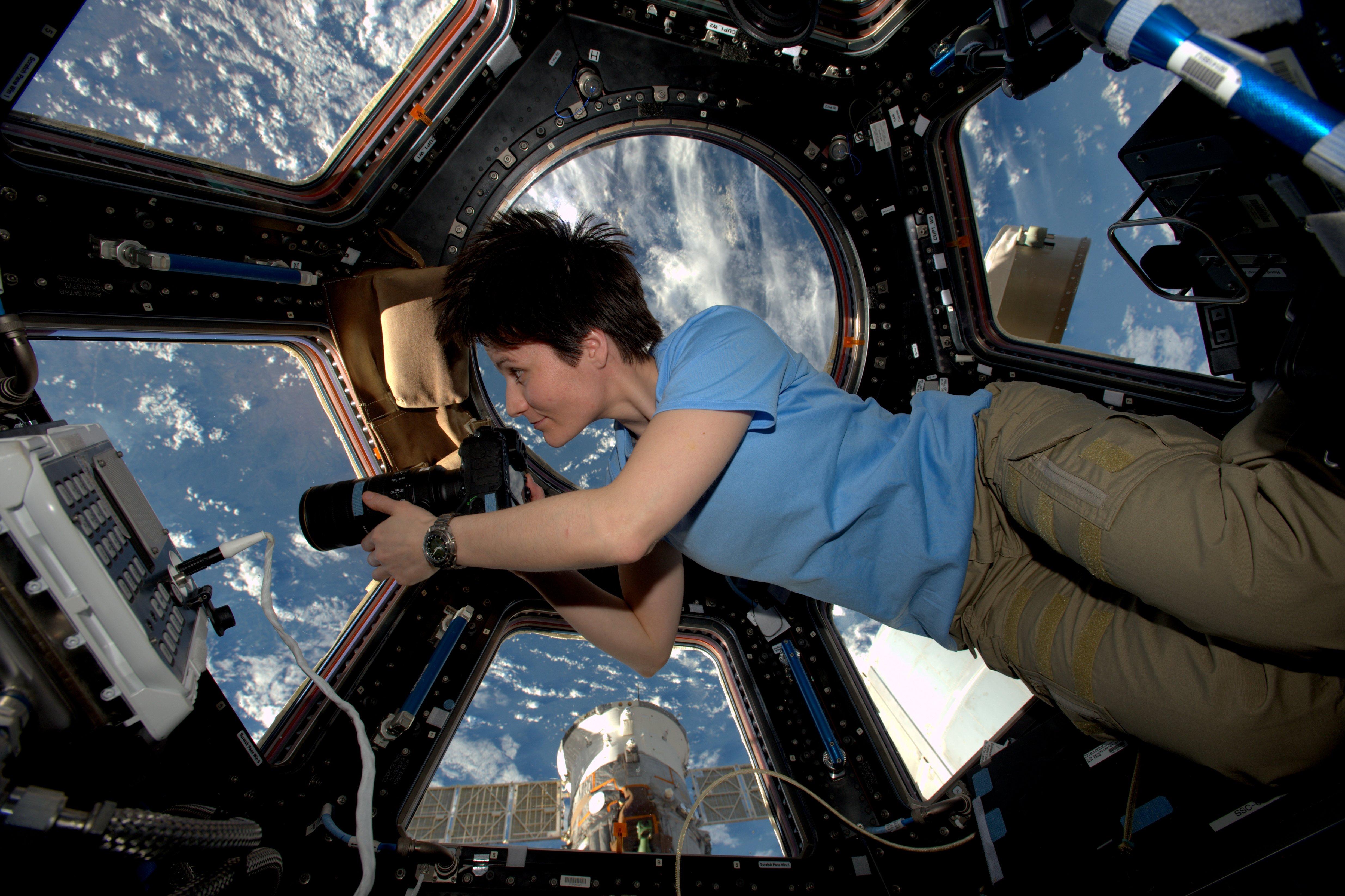 Секс на космическом корабле 6 фотография