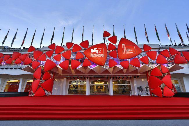 The venice film festival il festival del cinema di for Mostra cina palazzo venezia