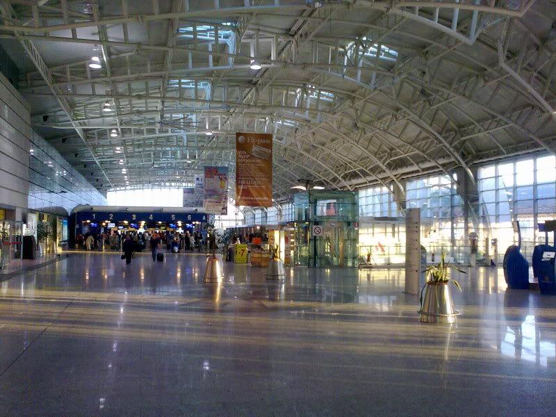 Aeroporto Cagliari : Cagliari elmas airport quot mario mameli italy magazine