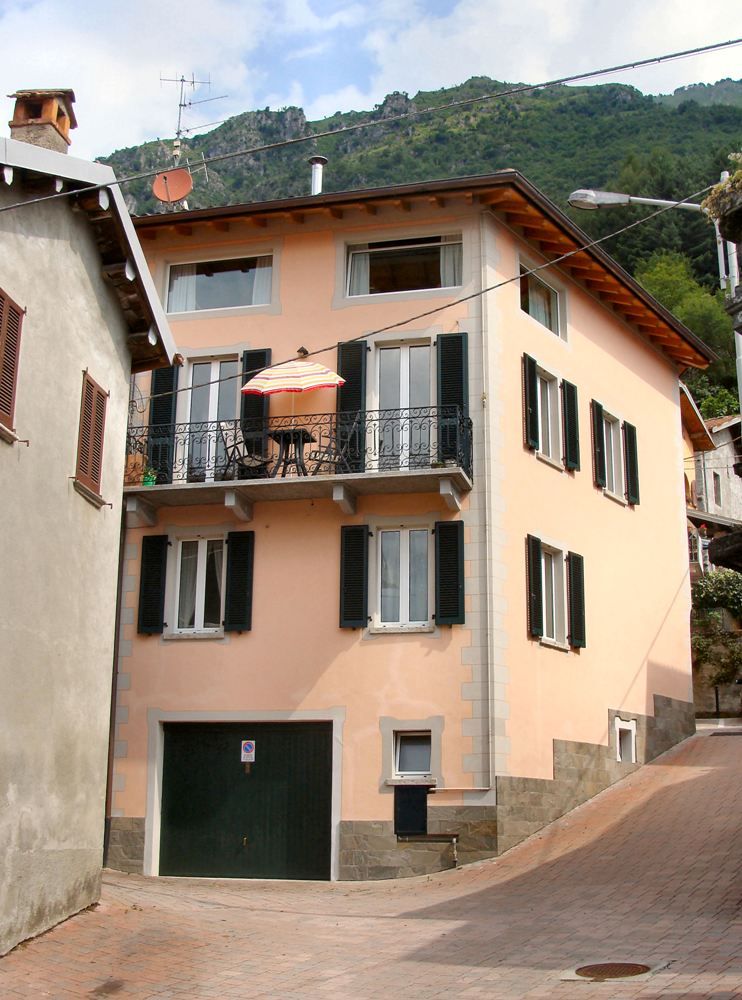 Lake Lugano Restored House In The Hillside Village With