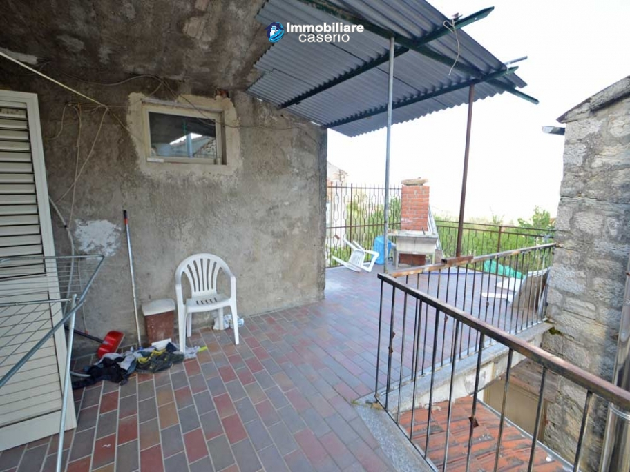 House with terrace and garden for sale in central italy for 14 m4s garden terrace