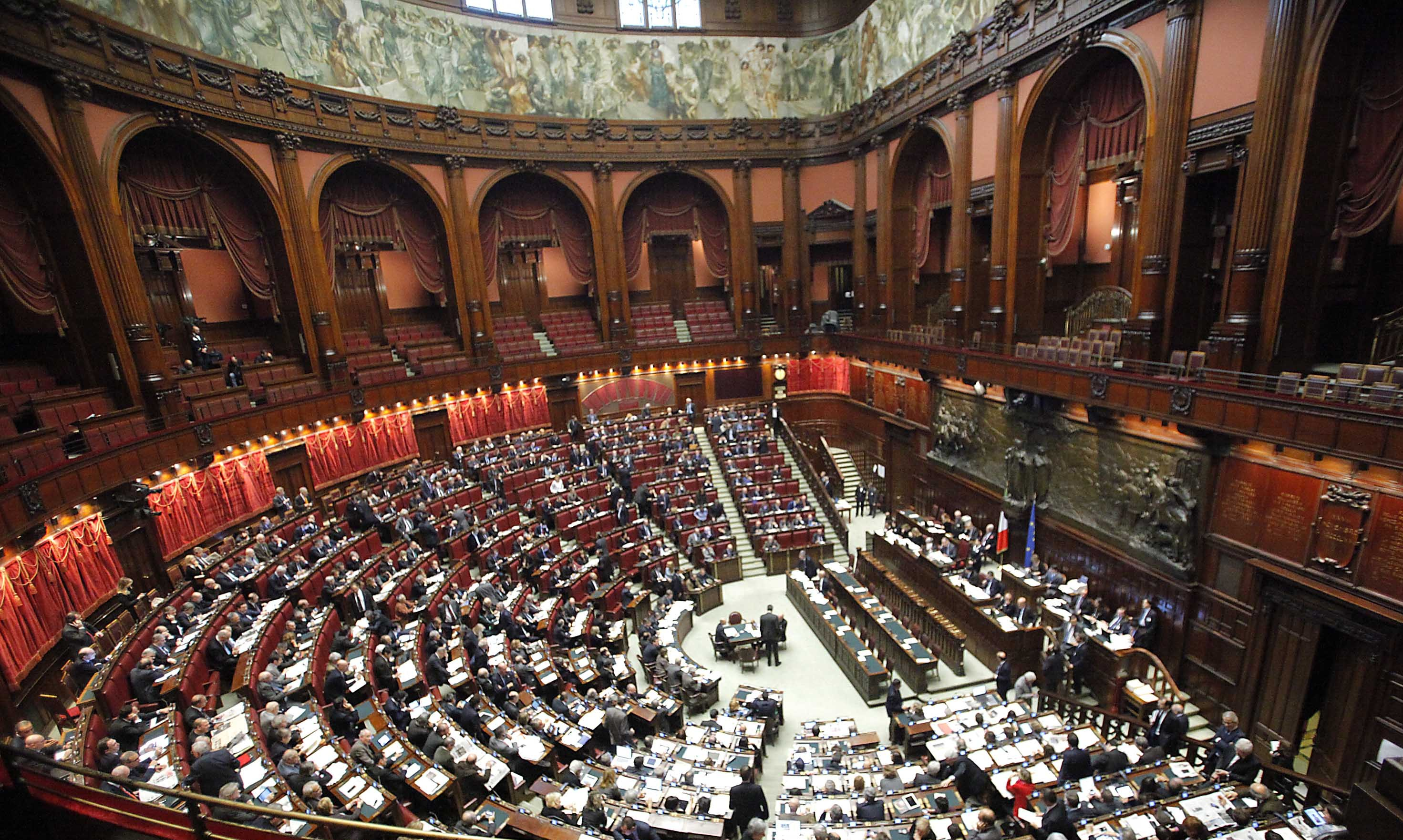 Italy has its youngest parliament in history with more for Foto camera dei deputati