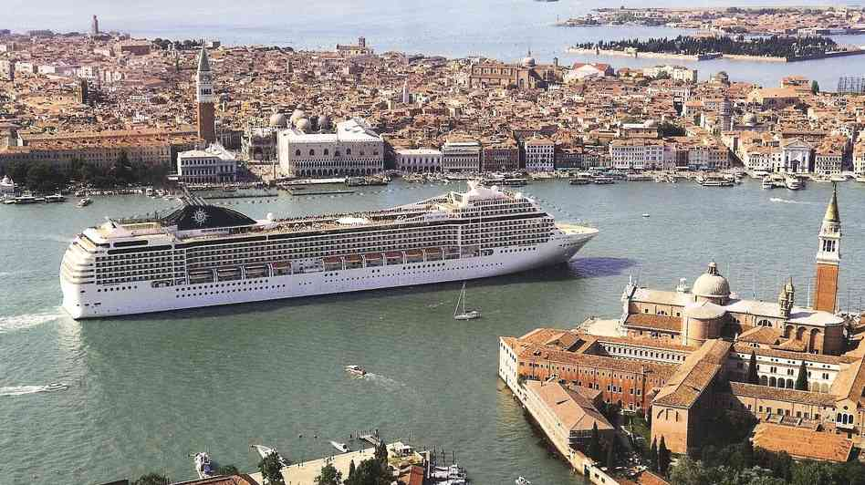 Ban on Venice Cruise Ships Temporarily Suspended | ITALY ...