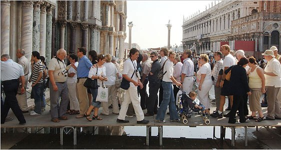 Venice Reaches Tourism Snapping Point   ITALY Magazine