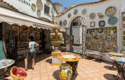 Shop selling ceramics on the Amalfi Coast