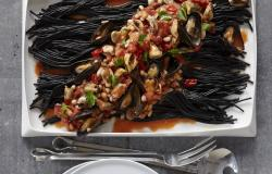 black pasta with mussels