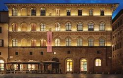 The palace that houses the Gucci Museum in Florence at night