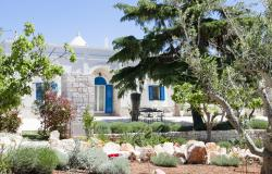 Trullo Mitico with private pool near Cisternino