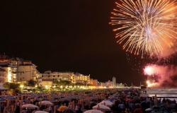 Summer fireworks celebrations in Italy