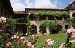lovingly renovated vacation rental property snear Langhe village of Murazzan 0