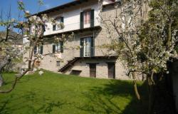 In a picturesque Langhe village,  ancient former parish house with garden /MSL005 0