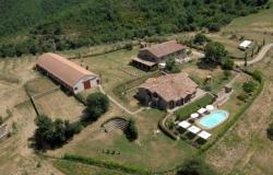 Agriturismo with Pool in Umbria 0
