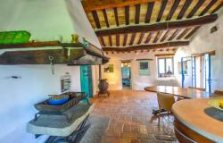 Superb Farmhouse With Views of Valle del Metauro, Le Marche 11
