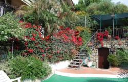 iv1031 Apartment with garden and sea view for sale in Bordighera. 1