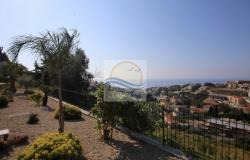 iv1036   Apartment with garden and sea view for sale in Sanremo.  2