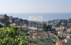 iv1036   Apartment with garden and sea view for sale in Sanremo.  4