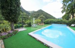 iv1020 For sale in Isolabona villa with swimming pool. 1