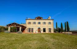 Traditional Family Villa Close to the Coast, Le Marche 0
