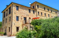 Country House with Self Catering Apartments in Mogliano, Le Marche 0