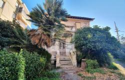iv1098 Villa to be renovated for sale in Bordighera. 1