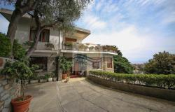 iv1099 Villa sea view for sale in Bordighera 0