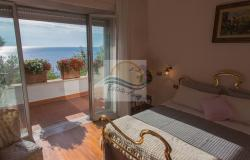 IV1103 Villa with swimming pool and sea view for sale in Bordighera. 13