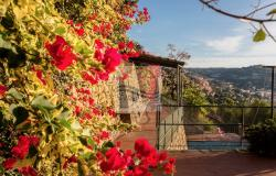 IV1103 Villa with swimming pool and sea view for sale in Bordighera. 16