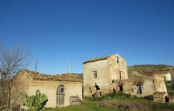 Hill top ruin to build a 300sqm house, with 10,000sqm of land, beautiful views.  0