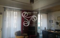 Delightful elegant apartment in the centre of Messina 015-20 1