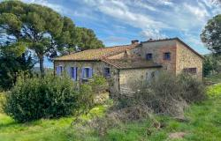 Stone farmhouse with beautiful views over the countryside 0