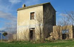 Idylic location, ruin and 15,000sqm of flat land to build a 200sqm villa. 0