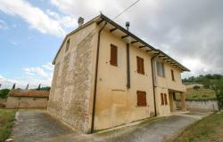 Bevagna, large farmhouse with 20,000 square meters 5