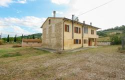 Bevagna, large farmhouse with 20,000 square meters 6