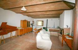 Bevagna, large farmhouse with 20,000 square meters 41