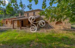 Charming farmhouse surrounded by an 18-hectare park located in Piazza Armerina (EN) 006-20 0