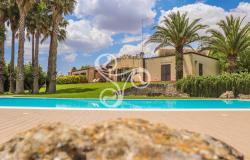 Elegant estate immersed in the countrysides of Noto (SR) 022-20 0