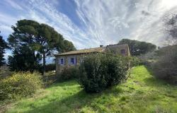Beautiful Tuscan stone farmhouse, just 10km from the seaside 0