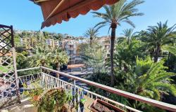 IV1106 Apartment with balcony for sale in Bordighera. 0