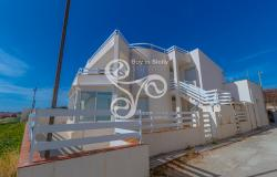 Beautiful villa on two elevations directly on the beach of Punta Braccetto 037-20  3