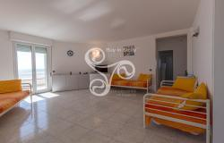 Beautiful villa on two elevations directly on the beach of Punta Braccetto 037-20  4