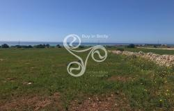 Land with sea view with building index 0.03% located in Marina di Ragusa 044-20 0