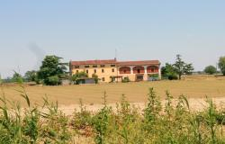 Cottage in the Monferrino countryside 0