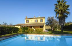 Family Villa With Pool In Le Marche Countryside 0