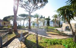 iv1107 Villa with swimming pool and sea view for sale in Bordighera. 2